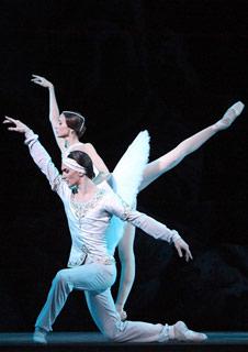 Bolshoi Ballet: La Bayadere (Live)