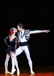 Bolshoi Ballet: Carmen Suite/ Petrushka (Live)